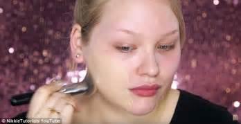 Nikki Tutorial Eyeliner | beauty guru nikkie demonstrates make up s by transforming
