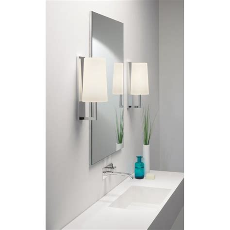 Modern Bathroom Lights Uk Modern Ip44 Hotel Style Bathroom Wall Light With Opal