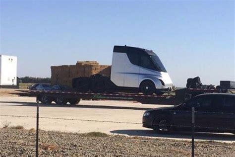 tesla semi truck possibly spotted during testing