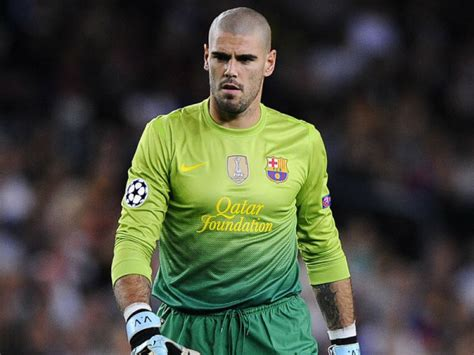 Barcelona Goalkeeper History   victor valdes named la liga s all time greatest goalkeeper