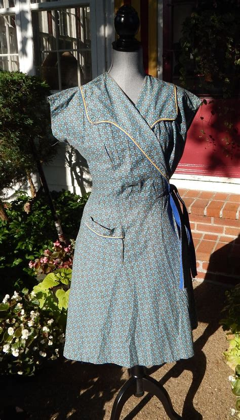 pattern for house dress 1000 images about housedresses and hooverettes on