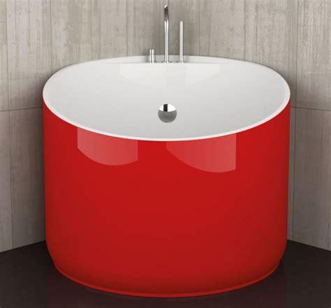 mini bathtubs 10 beautiful mini bathtubs for small bath spaces evercoolhomes