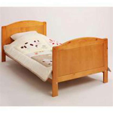 Toddler Bed Measurements by Toddler Bed Solid Pine Shorty Size