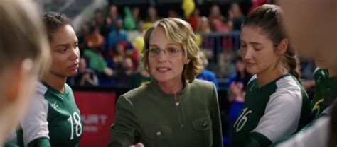 The Miracle Season Is Based On Helen Hunt To In Inspirational The Miracle Season
