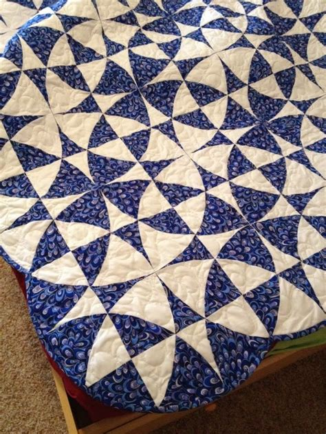 Winding Ways Quilt Template by 1000 Ideas About Winding Ways Quilt On Quilt Patterns Blue Quilts And Log Cabin Quilts