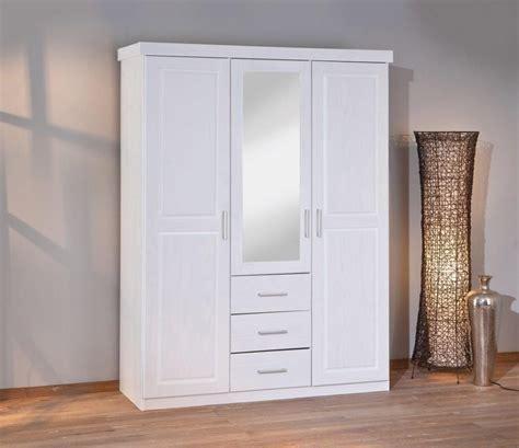 3 türiger kleiderschrank mit spiegel kleiderschrank geraldo kiefer wei 223 lackiert 3 t 252 rig
