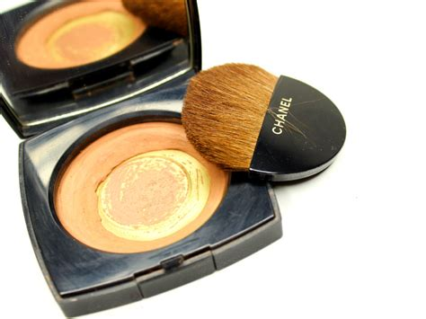 Chanel Les Beiges Compact Powder unsung makeup heroes chanel les beiges healthy glow sheer