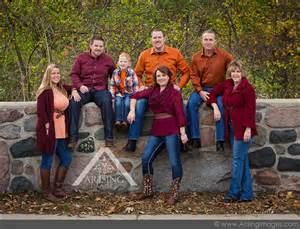 best colors for family photos top 10 reasons to do fall family pictures