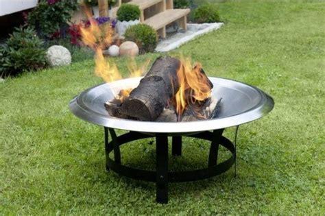 feuerschale feuer machen feuer im garten feuerschalen und co