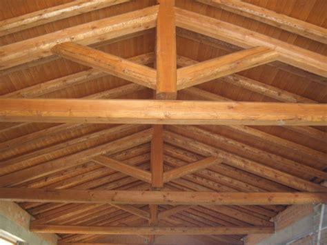 tettoia definizione realizzazioni travi in legno vender legnami