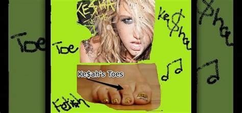 tutorial tik tok how to create ke ha s quot tik tok quot toe nails 171 nails manicure