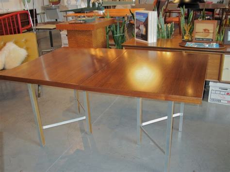 dining table dining table leg placement
