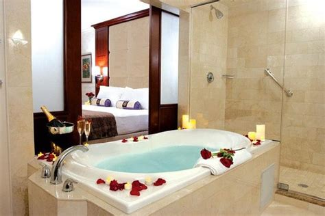 Hotels With Jacuzzis In The Room by King Package Picture Of Viana Hotel