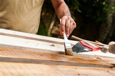 holzbalken streichen holzbalken wei 223 streichen 187 das ist zu ber 252 cksichtigen