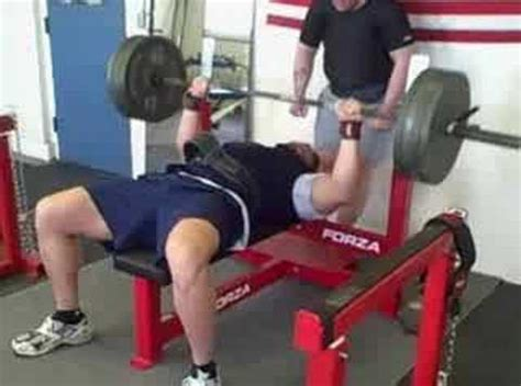world record bench press 165 lbs anthony giza 405 lbs raw bench press for 10 reps youtube