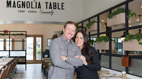 chip and joanna gaines restaurant chip and joanna gaines make over their restaurant