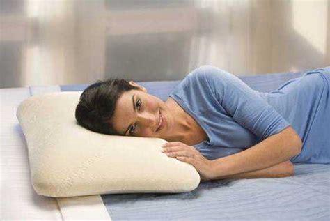 cuscino tra le gambe mal di schiena in gravidanza come alleviare e curare