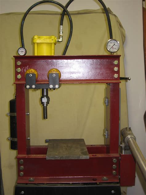 hydraulic press photo
