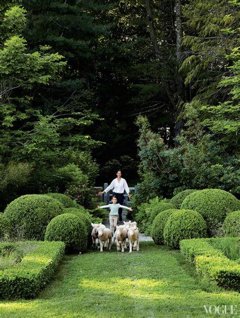 Miranda Garden by Miranda For Vogue Simply