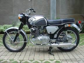 Honda 305 Superhawk Bikepics 1962 Honda Superhawk 305