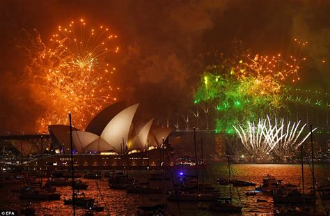 new year 2018 melbourne celebrations auckland kicks new year celebrations to ring in 2018