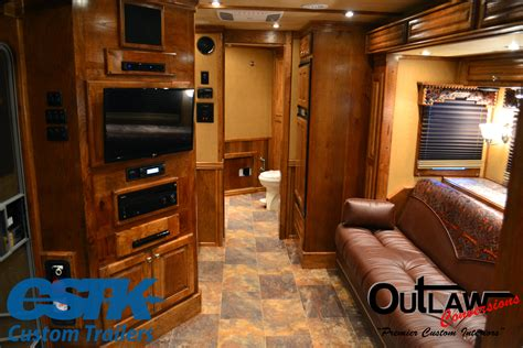 Do 18 Wheelers Bathrooms by Custom Truck Sleepers Inside Pictures To Pin On