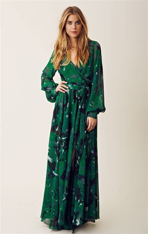 fashion dress 70s style blu moon crepe wrap maxi dress in green lyst