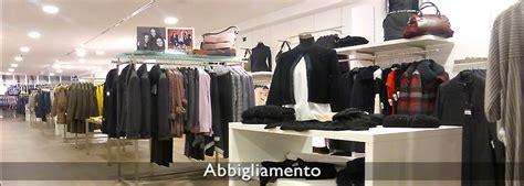 produzione arredamenti per negozi arredamento negozi abbigliamento effe arredamenti