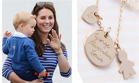 celebrity personalized jewelry celebrities who love personalized jewelry jewelry world