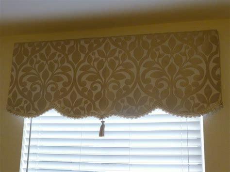 No Sew Cornice Window Treatments No Sew Simple Dyi Soft Cornice Valance With Trim And