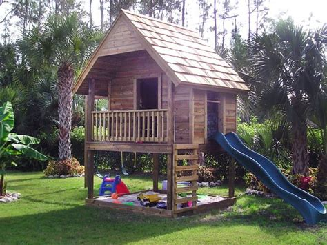 Backyard Clubhouse Ideas 25 Best Ideas About Backyard Playhouse On Outdoor Playhouses Playhouse For