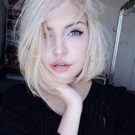 Messy Updos Hairstyles   Blue eyes, Short hair and Blondes