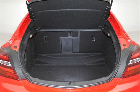 opel insignia trunk space vauxhall insignia 2009 2017 interior autocar