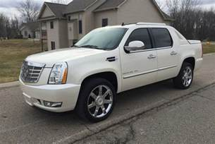 Cadillac Escalade 2017 Cadillac Escalade New Car Review Autotrader