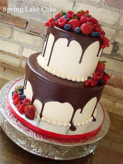 friends birthday     lot  cakes pinterest birthdays cake