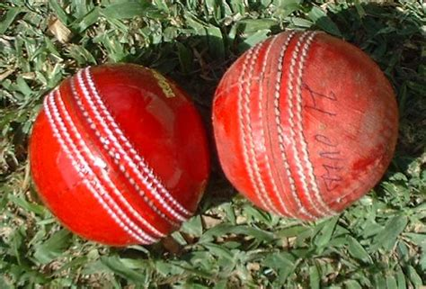 difference between swing and seam kookaburra vs duke and sg cricket balls cricket