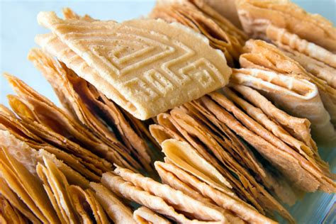 new year snacks malaysia 12 snacks we to eat at new year poskod malaysia