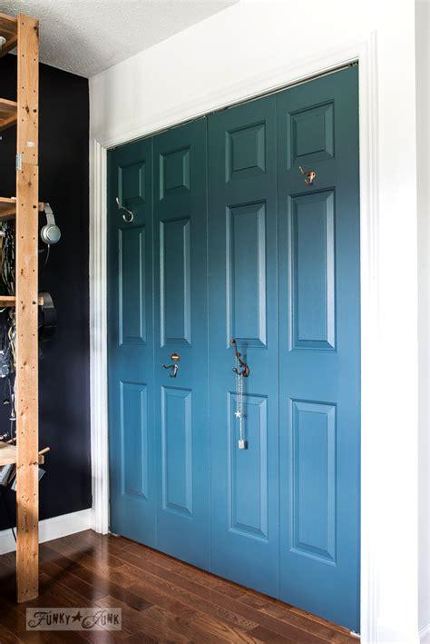 blue closet doors  hooks   boys bedroomfunky