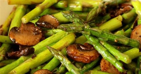 Springtime Side Sauteed Asparagus by Sauteed Asparagus And Mushrooms Recipe Easter Recipes