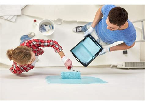 tappezzeria per cer soffitto colorato cambia la percezione della stanza
