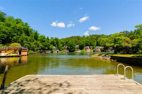 Lake Lure Cabin Rentals On The Water by Lake Front Vacation Rental On Lake Lure With Canoe