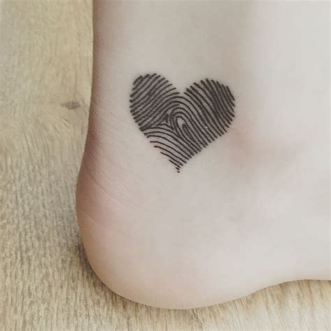 fingerprint heart tattoo 25 best ideas about fingerprint tattoos on