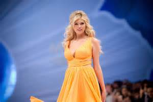 Kate upton runway at a fashion show in mexico city hawtcelebs