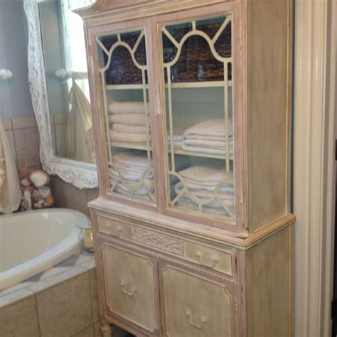 thrift store china cabinet 28 best annie sloan antoinette images on pinterest
