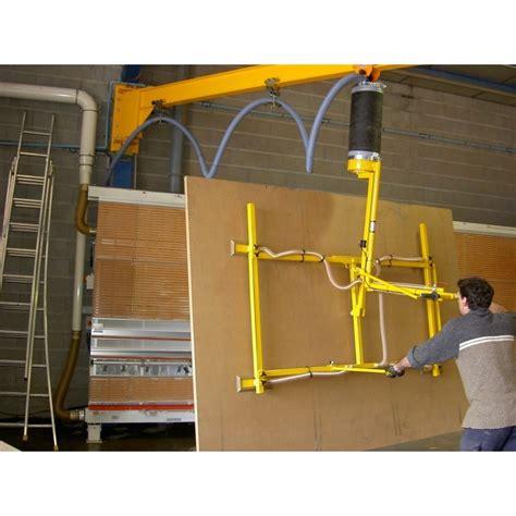 Manipulateur à ventouses de panneaux bois avec basculement