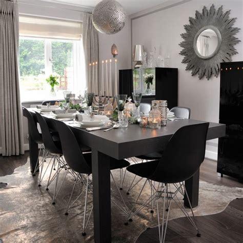 Dining Room Table Settings Ideas Contemporary Dining Room With Monochrome Table Setting Budget Table Ideas