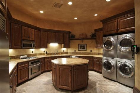 noteworthy  hawkeye place  sale laundry room