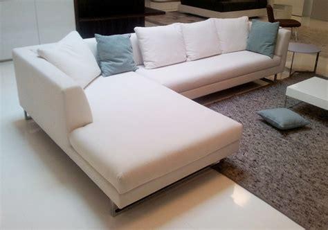 divano con chaise longue divano cristian salotti xelle divani con chaise longue