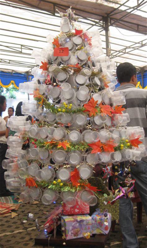 cara membuat hiasan pohon natal dari kertas go green x mas pohon natal dari barang bekas