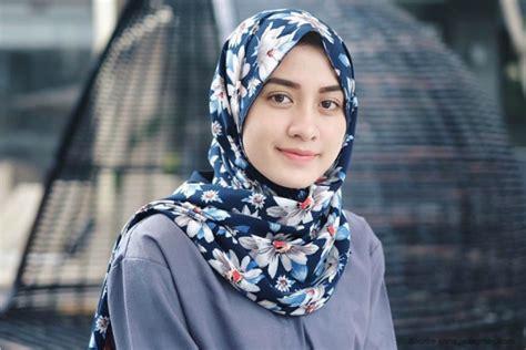 Jilbabkerudung Segi 4 Katun Rawis Sekolah Al Azhar coba cek gaya kamu kekinian atau masih tren lama genmuda